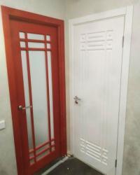Дверь Геона Омега 4 ДО в цвете ПВХ Софт Шардоне (сатинат светлый) и Дверь Омега 4 ДГ в цвете Софт милк